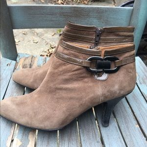 Women's Sofft Tan Leather Heeled Booties Size 9W